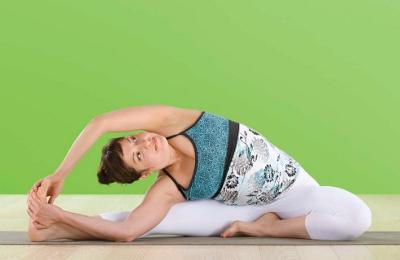 Iyengar Yoga - Parivrtta Janu Sirsasana