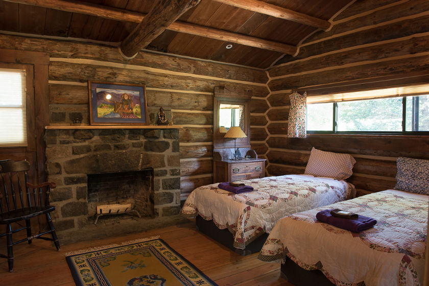 Feathered Pipe Ranch - Accommodations